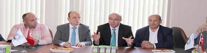 Mehmet İSLAMOĞLU<br> İASİAD Üyeleri ile<br> Buluştu